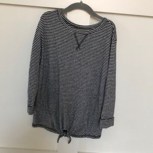 Old navy soft long sleeve girls top size 6/7